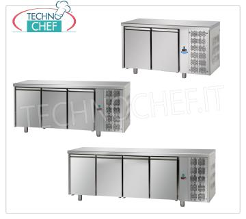 Refrigerated tables for pizza and pastry ingredients