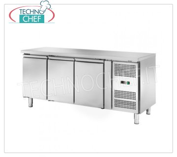 Frigor Table 3 Doors, Temp. -2 ° / + 8 ° C, lt. 339, Ventilated, Class C, mod.AKS3100TN Refrigetato Bench Table 3 DOORS, Professional, SNACK Line, Temp. -2 ° / + 8 ° C, capacity 339 liters, ventilated refrigeration, ECOLOGICAL in Class C, Gas R290, V.230 / 1, Kw.0.23, Weight 117 Kg, dim.mm.1795x600x860h