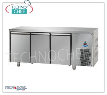 FREEZER / FREEZER TABLE 3 doors, lt.460, TECNODOM Brand FREEZER / FREEZER TABLE 3 DOORS, TECNODOM Brand, capacity lt.460, working temperature -18 ° / -22 ° C, ventilated refrigeration, Gastro-Norm 1/1, V.230 / 1, Kw.0,7, Weight 122 Kg, dim.mm.1870x715x850h